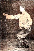 Jiang Rong Jiao showing his Xing Yi.